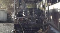 TİCARİ ARAÇ - Ayazağa'da Otoparkta Otobüs Ve Midibüsler Alev Alev Yandı