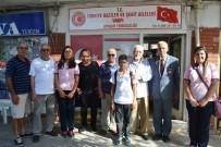 HÜSEYIN KÖKSAL - Ayvalık'ta Mehmet Akif Ersoy Ortaokulu 8. Sınıf Öğrencilerinden Gazilere Anlamlı Ziyaret