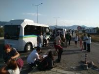 YOLCU MİNİBÜSÜ - Minibüsler çarpıştı: 21 yaralı