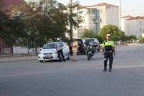 TRAFİK YÖNETMELİĞİ - Bergama'da Emniyetten Servis Araçlarına Sıkı Denetim