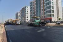 ELEKTRİK DİREĞİ - Büyükşehir Belediyesi, Caddelere 304 Bin Ton Asfalt Serdi