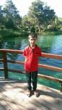 YAŞAM MÜCADELESİ - Çalıştığı İş Yerinde Kamyonet Ve Palet Arasında Sıkışan Çocuk Öldü