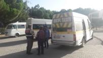 YOLCU TAŞIMACILIĞI - Jandarma Komutanlığı Servis Araçlarını Denetledi