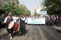 MAZLUM - Kardeş Şehrin Heyetleri Davul Zurna Eşliğinde Yürüdü