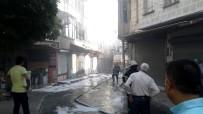 YANGINA MÜDAHALE - Kozmetikçide Çıkan Yangın 6 Dükkanı Yaktı