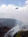 YANGINA MÜDAHALE - Mersin'de Orman Yangını