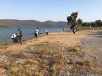 GÖZLEME - Milas'ta Kazıklı Sahili Temizlendi