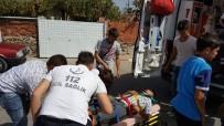 112 ACİL SERVİS - Motosiklet Kamyonete Çarptı Açıklaması 1 Yaralı