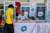 Ömer Halisdemir Üniversitesi Yeni Öğrencileri Otogarda Karşılıyor