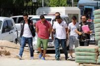 ANTALYA - Parklarda Uyuşturucu Satan 3 Kişiye Gözaltı