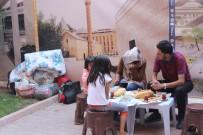 SABAH KAHVALTISI - Sokakta Yaşayan Afganlı Aileye Ahi Esnafı Sahip Çıktı