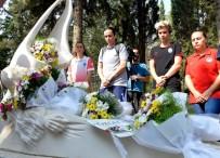 ABDULLAH GÜL - Turnuva Öncesinde Özgecan Aslan'ın Kabri Ziyaret Edildi