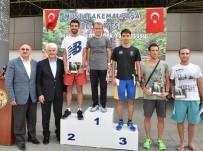 ADNAN MENDERES - Atletler Mustafakemalpaşa'da Koştu