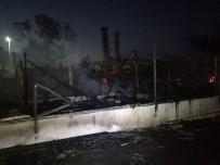 GÜVENLİK ÖNLEMİ - Bakırköy'de Ahşap Bir Restoranda Yangın Çıktı