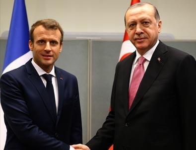 Cumhurbaşkanlığı hesabından Macron'a ince mesaj