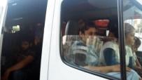AVRUPA - İzmir'de Yakalanan 4 Göçmen Kaçakçısı Tutuklandı