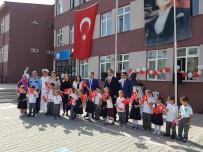 TAHIR ŞAHIN - Lapseki'de İlköğretim Haftası Kutlamaları