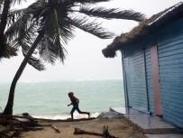FLORIDA - Maria Kasırgası Dominik Cumhuriyeti'ne ulaştı