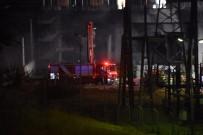 MÜDÜR YARDIMCISI - Metro İstasyonunun Yakınında Yangın Çıktı, Seferler Durduruldu