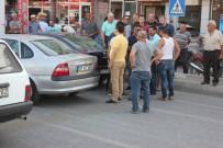 MOTOSİKLET SÜRÜCÜSÜ - Ölüm Kavşağında Yine Kaza