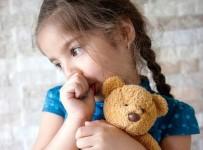 OYUN HAMURU - Parmak Emen Çocuğa Bunu Yapmayın