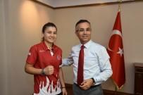 MİLLİ BOKSÖR - Şampiyon Sporcudan Vali Çeber'e Ziyaret