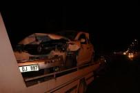 GÜVENLİK ÖNLEMİ - 2 Otomobil Çarpıştı Açıklaması 8 Yaralı