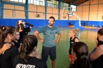 BOZÜYÜK BELEDİYESİ - Bozüyük Belediyesi Voleybol Takımı Çalışmalarına Devam Ediyor