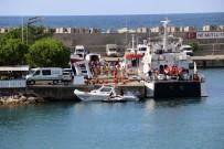 DONANMA KOMUTANLIĞI - Denizden Kurtarılan 16 Kişi Daha Kıyıya Getirildi