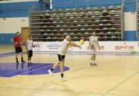 VOLEYBOL TAKIMI - Haliliye Voleybol Takımı, Yeni Sezon Hazırlıklarını Sürdürüyor