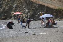 DENETİMLİ SERBESTLİK - Karataş'da Temizlik Çalışması Yapıldı