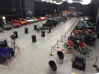 KLASİK OTOMOBİL - KKTC'deki Klasik Araba Müzesi Geçmişe Ayna Tutuyor