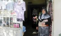 GEÇİM SIKINTISI - Küçük Dükkanında Kazandığı Parayla Kanser Olan Eşine Bakıyor
