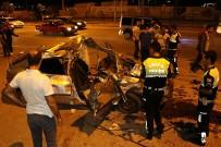 ŞEHIT - Otomobil Hurdaya Döndü Açıklaması 5 Yaralı