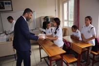 FLASH BELLEK - Payas'ta Öğrencilere Zeka Oyun Seti Ve Kitap Seti Dağıtıldı