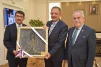 MEHMET ÖZHASEKI - Şehzadeler'in Dönüşüm Projesi Bakan Özhaseki'ye Sunuldu