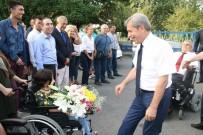 ZONGULDAK VALİSİ - Vali Çınar, Fiziksel Engelliler Derneği'ni Ziyaret Etti