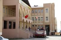 MİLLİ EĞİTİM MÜDÜRÜ - Van'ın Köklü Okulu Eğitime Başlamadan Tatile Girdi