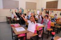Zeytinburnu Belediyesi'nden 20 Bin Öğrenciye Kırtasiye Çeki