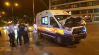 ATATÜRK BULVARI - Samsun'da Ambulans Otomobil İle Çarpıştı Açıklaması 1 Yaralı