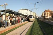 VAGON - Tramvay Duraklarının Birleştirilmesi Yolcu Kapasitesini Arttırdı
