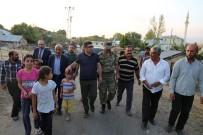 İLÇE MİLLİ EĞİTİM MÜDÜRÜ - Varto'da Evi Yanan Vatandaşa Kaymakam Sahip Çıktı