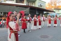 KOSOVA - Belediye Başkanına Müzik Aleti Çaldırdılar