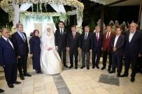 SARE DAVUTOĞLU - Eski Başbakan Davutoğlu Malatya'da Düğüne Katıldı