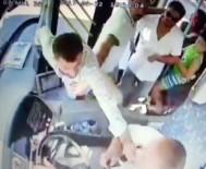 AKALAN - Hareket Halindeki Otobüsün Şoförüne Saldırdı