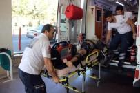 GÖBEKLİTEPE - Park Halindeki Kamyonete Çarpan Motosikletli Ağır Yaralandı