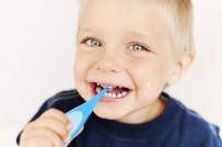 DİŞ FIRÇALAMA - Çocuklarda Okul Öncesi Diş Çürüklerine Karşı Fissür Önlemi
