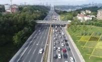 FATIH SULTAN MEHMET KÖPRÜSÜ - FSM Köprüsü'nde Oluşan Trafik Yoğunluğu Havadan Görüntülendi