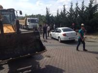 DAMPERLİ KAMYON - Hafriyat Kamyonu Elektrik Direğini Devirdi Faciadan Dönüldü