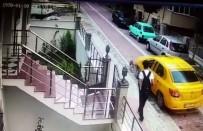 CIHANGIR - Minik Köpeği Ezen Taksi Şoförünün Ardına Bakmadan Kaçması Kamerada